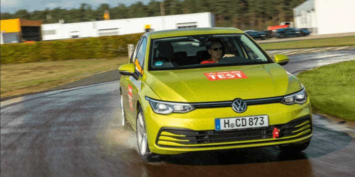 Test pneumatici estivi: ACE Lenkrad confronta le prestazioni degli pneumatici in curva