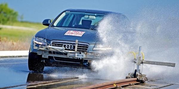 AutoExpress ha testato 10 pneumatici estivi in frenata
