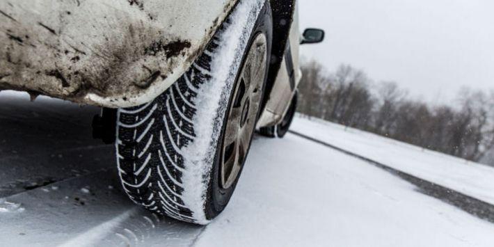 Qual è la migliore dimensione di pneumatici per l'inverno e la neve? Ecco la risposta del TCS.